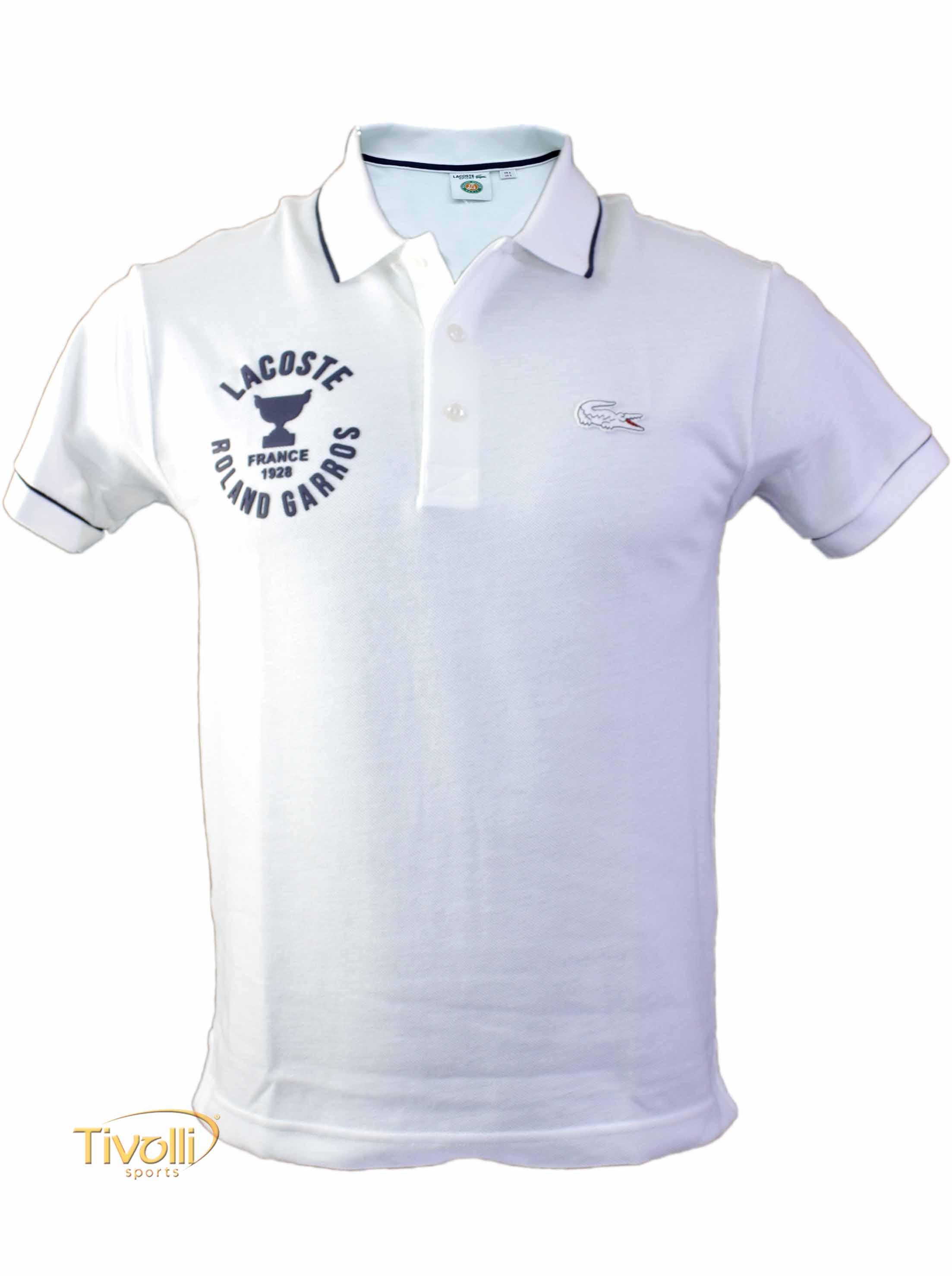 6aa792e7d8c Raquete Mania   Camisa Polo Lacoste   Roland Garros Branca Estampada